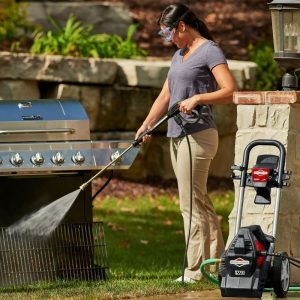 The Briggs & Stratton 20700 in use