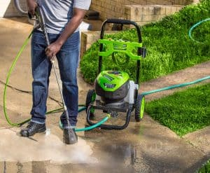 The Greenworks GPW2200 in use
