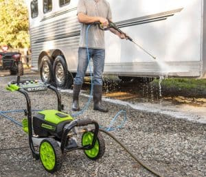 The Greenworks GPW2700 in use
