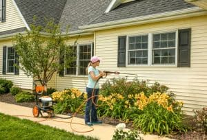 The Stihl RB 200 in use